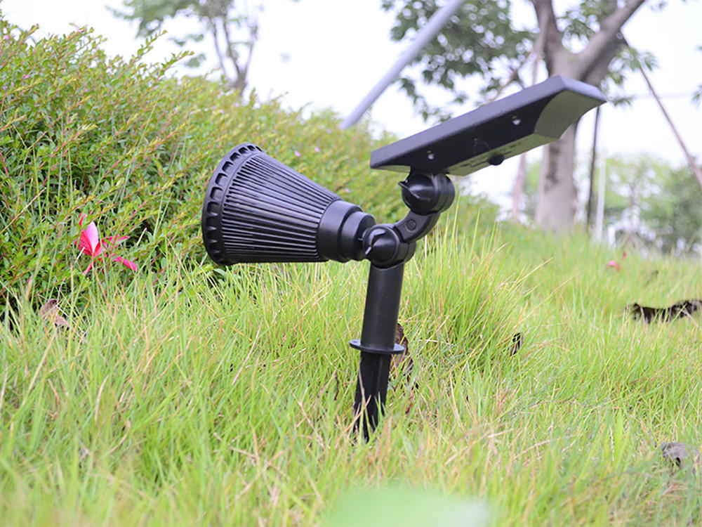 Yucheng solar powered spotlights factory direct supply for park